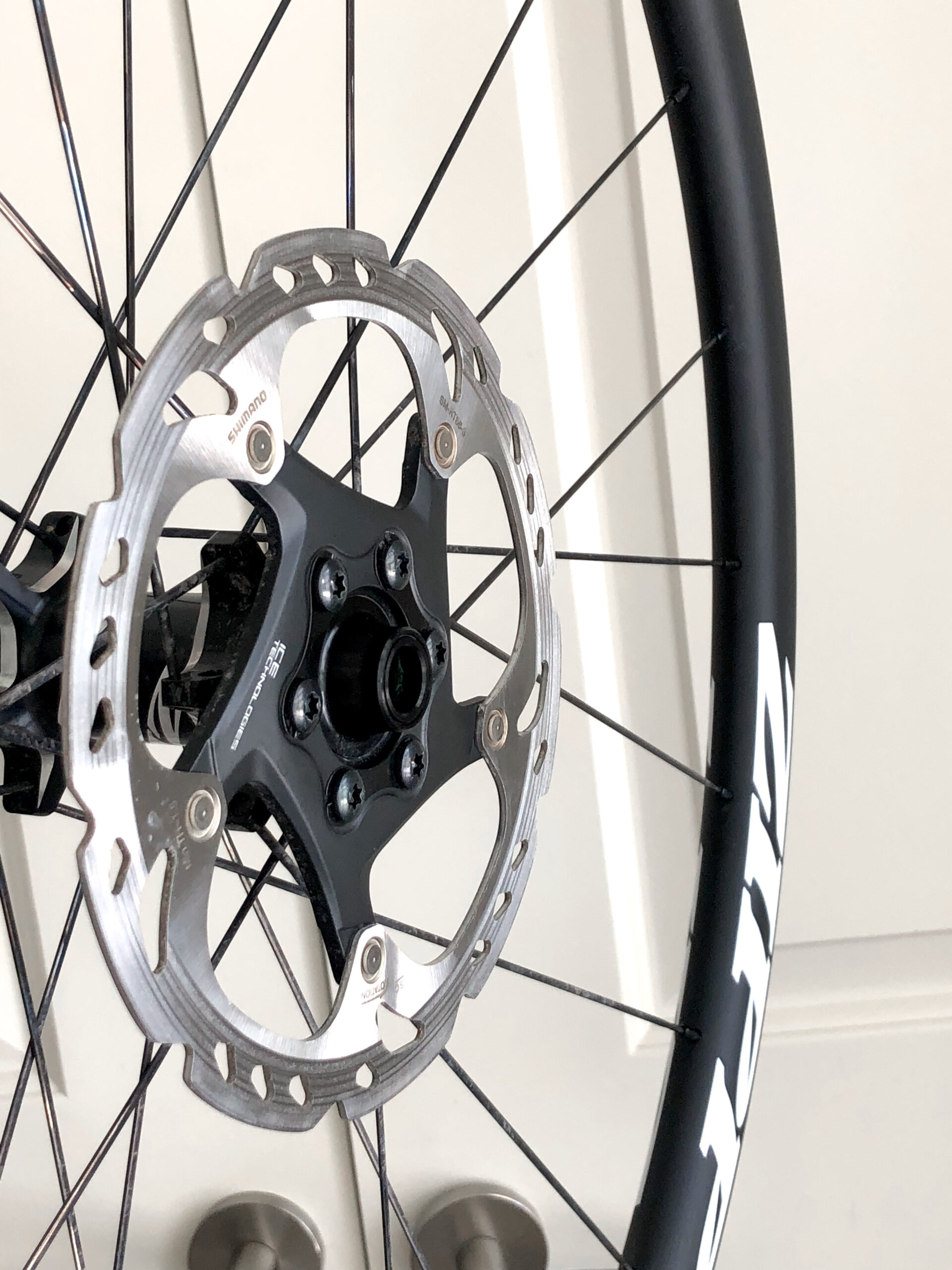 Zipp 30 Course Clincher Tubeless Disc Brake Wheelset w/ Rotors 11 speed